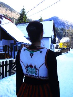 Általam készített Felsőrákosi hímzés mintával díszített bunda lajbi